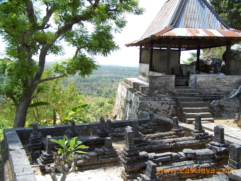 SEJARAHKU: BUDAYA YANG MENGALAMI AKULTURASI